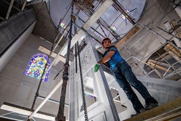 Согласно проекту, сама мечеть будет включать две части: основное здание с куполом и внутренний двор с колоннадами и шадирваном — местом для омовения перед совершением намаза.