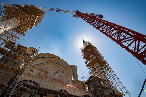 Строительство Буюк Джума Джами — большой Соборной мечети - началось в Симферополе в сентябре 2015 года.