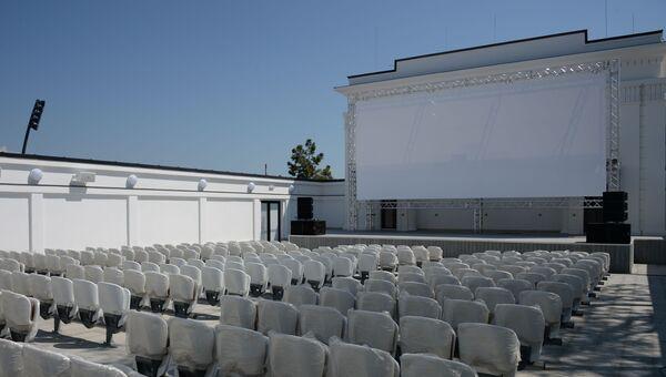 Летний кинотеатр скоро примет первых зрителей