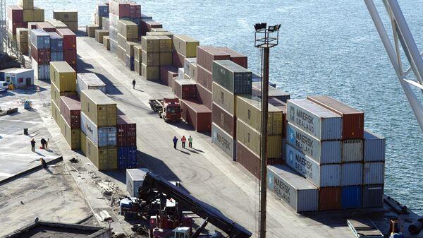 Работа портового грузового контейнерного терминала