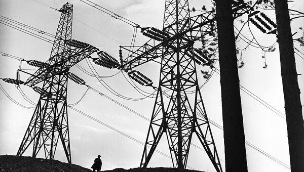 Фотовыставка АПН-1965. Плюс электрификация. Автор А. Горячев